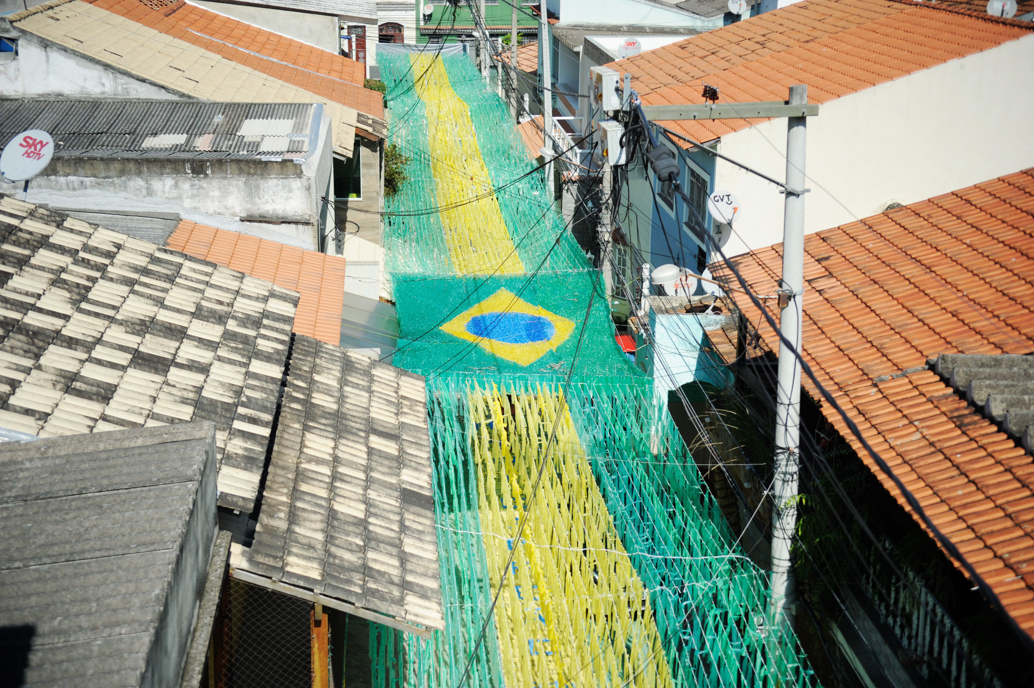 Rua-decorada-para-a-Copa-do-Mundo-de-2014-Rio-de-Janeiro-201405050005